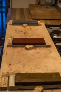 Vorrichtung zum Schleifen/ für die Aufnahme der Schleifsteine