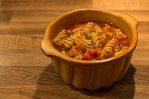Nudel-Gemüsesuppe