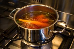 Karotten in Fleischbrühe