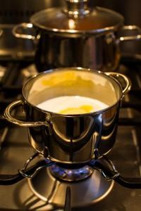 Butter in der Milch auflösen