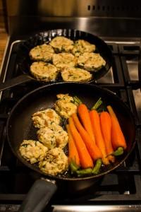 Karotten und Knödel in Butter geschwenkt