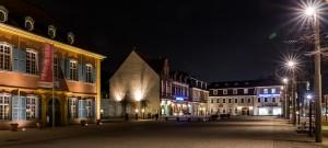 Schlossplatz mit Palais Hirsch und Kaffeehaus