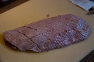 Entenbrust mit eingeschnittener Haut