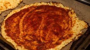 Blumenkohlpizza - Boden mit Pizzaiola